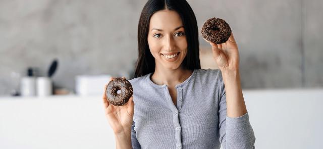 Czy jedząc słodycze można schudnąć?