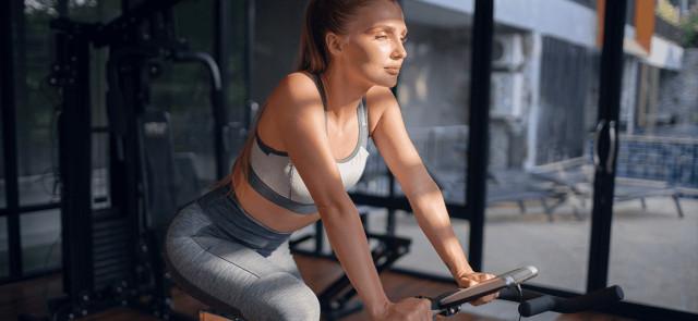 Czy aeroby należy robić po siłowni, przed czy w osobny dzień?