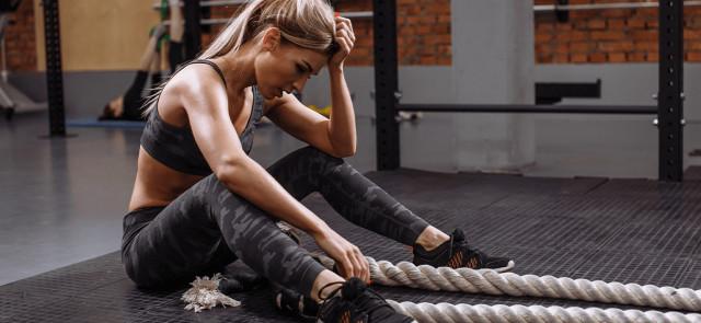 5 powodów, przez które nie masz na nic siły po skończeniu treningu
