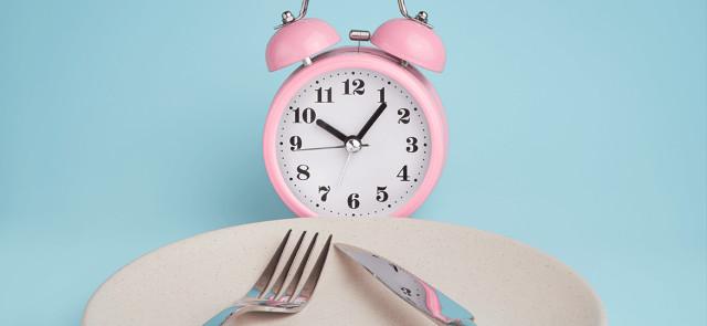 3 ważne powody, dla których posiłki warto jeść o stałych porach