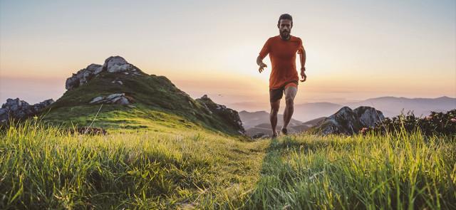 Trening zaraz po przebudzeniu – co zjeść na śniadanie?