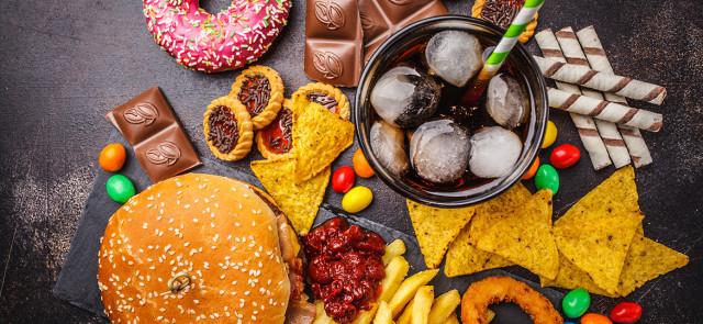 Jak wrócić do normalnej diety po obżarstwie?