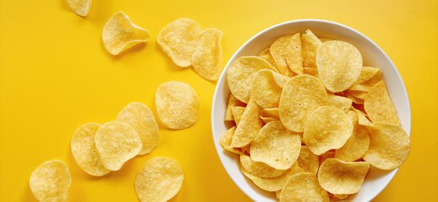 Dlaczego chipsy są takie tuczące?