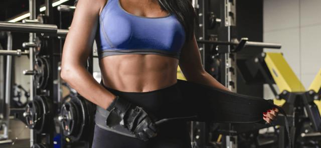 Pas treningowy, rękawiczki, paski, haki, bandaże - gadżety czy niezbędne wyposażenie treningowe?