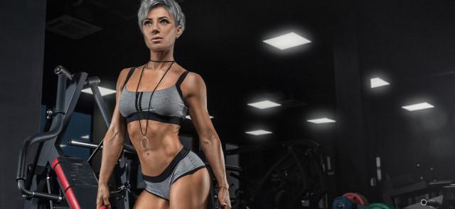 Czy budowaniu masy mięśniowej musi towarzyszyć przyrost tłuszczu?