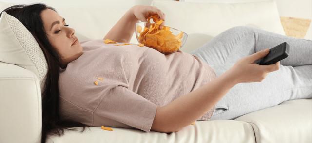 9 niezdrowych nawyków, przez które tyjesz
