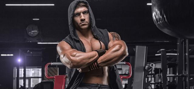 Jak podnieść poziom testosteronu? Fakty i mity