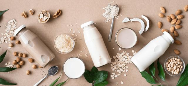 Kokosowe, ryżowe, sojowe, migdałowe - które mleko najlepsze?