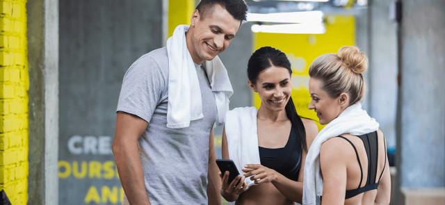 Nie jesteś u siebie w szałasie, czyli zasady na siłowni