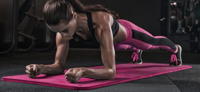 Jak prawidłowo wykonać plank?