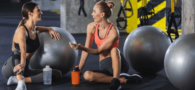 Dlaczego kobiety powinny ćwiczyć na siłowni? 5 powodów
