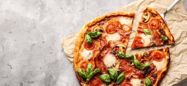 Pizza, frytki, hamburger, czyli fast food w wersji fit