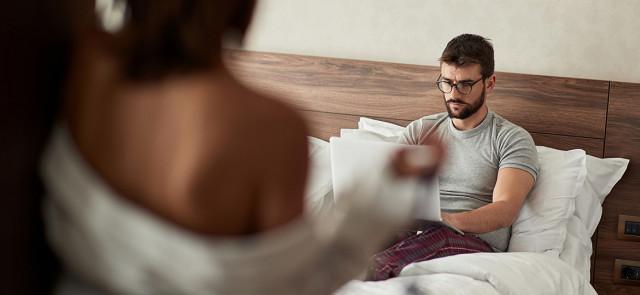 Niskie libido i kiepska forma w łóżku – czy to normalne u panów pod koniec odchudzania?