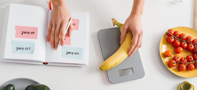 Czy warto notować to, co jemy? Co daje liczenie kalorii?
